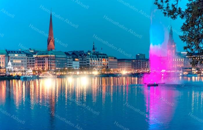 Hamburg Foto - ALS-00001 Alsterfontäne auf der Binnenalster illuminiert