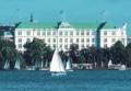 ALS-00003 - Die Alster - Segelboote vor dem Hotel ATLANTIC Aussenalster
