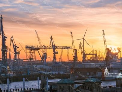 HAF-00014 - Hamburger Hafen - Hafengiraffen über dem Alten Elbtunnel