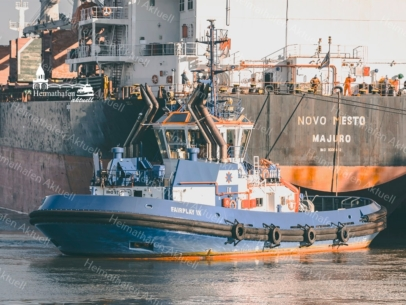 SHL-00010 - Schlepper - FAIRPLAY IX und Frachter NOVO MESTO