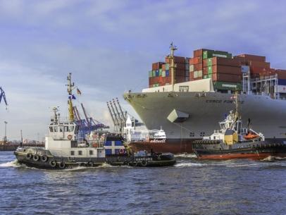SHL-00013 - Schlepper - HANS und MICHEL im Schleppverband mit Contaierschiff COSCO FORTUNE