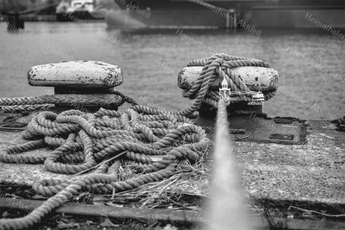 SUW-00014 - Schwarz Weiss - Tampen Hamburger Hafen