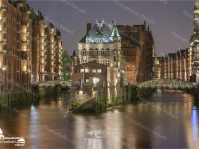 GER-00012-Wasserschloss am Abend A3 gerahmt
