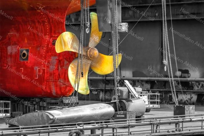 Hamburg Fotos - HAF-00225 Schiffsschraube Dock von Blohm+Voss