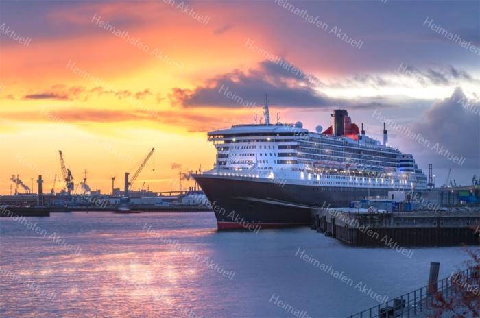 Hamburg Foto - HAF-00034 QUEEN MARY 2 am Cruise Terminal HafenCity