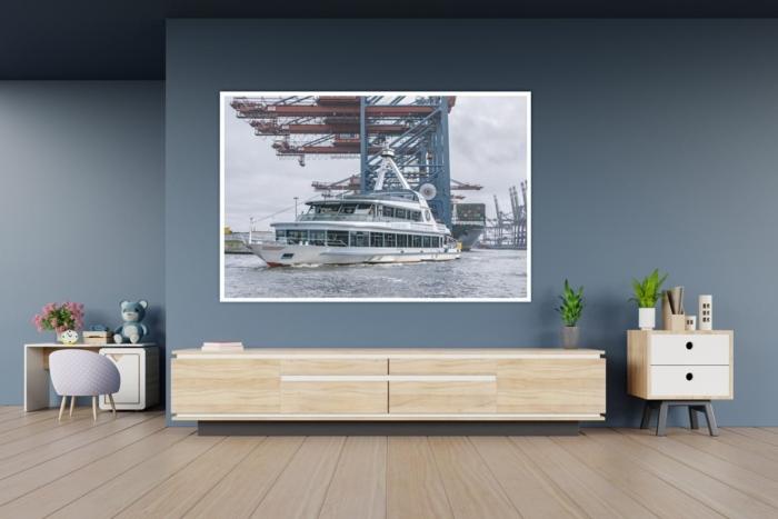 HAF-00091-Fahrgastschiff HAMBURG an der Einmündung zum Containerhafen Gestaltungsansicht