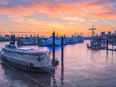 Hamburg Foto - HAF-00069 Hamburger Hafen Kehrwiederspitze im Sonnenuntergang
