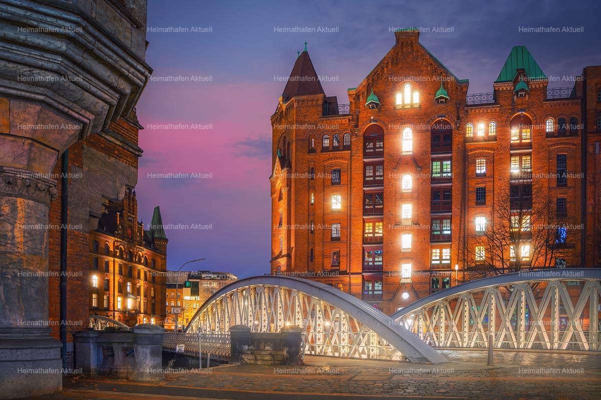 Hamburg-Fotos-HAL-00053-Speicherstadt bei Nacht