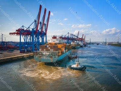 Hamburg-Fotos-SHL-00033-Containerschiff-BUDAPEST_BRIDGE-Schlepper-KOTUG-ZPBEAR