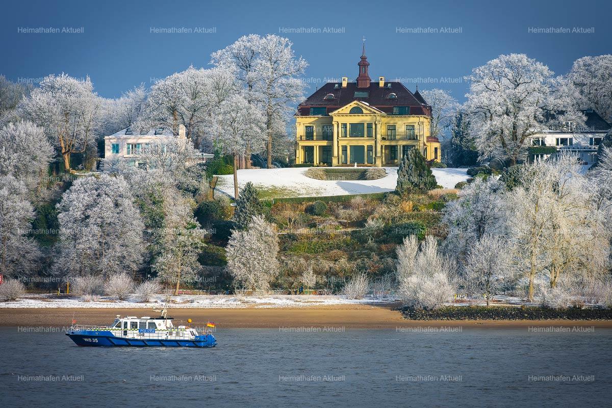 Hamburg-Foto-HAF-00182-Wasserschutzpolizei-WS35-im-Winter-bei-Frost