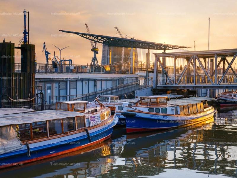 Hamburg-Foto-HAF-00184-Landungsbrücken-Dock-Blohm-und-Voss