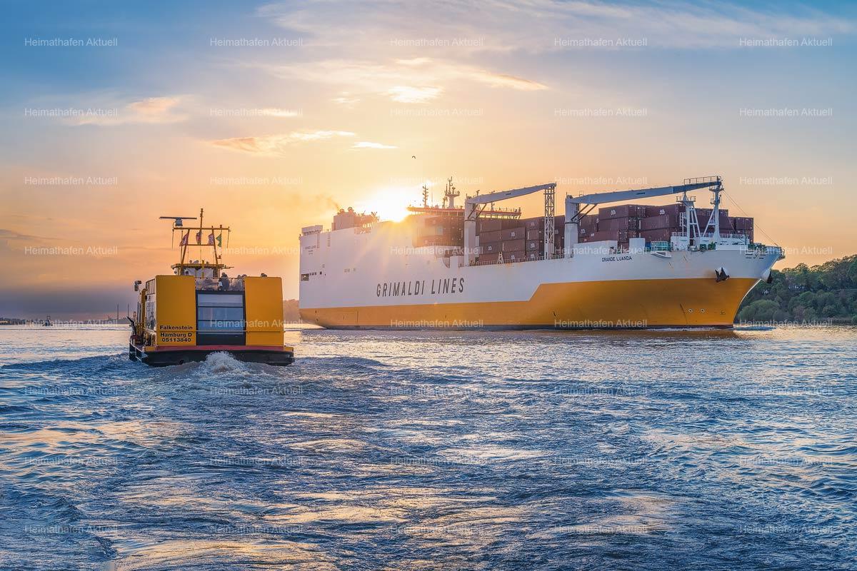 amburg-Hafenfotos-HAF-00202-Grimaldi_Lines-Hafenfähre