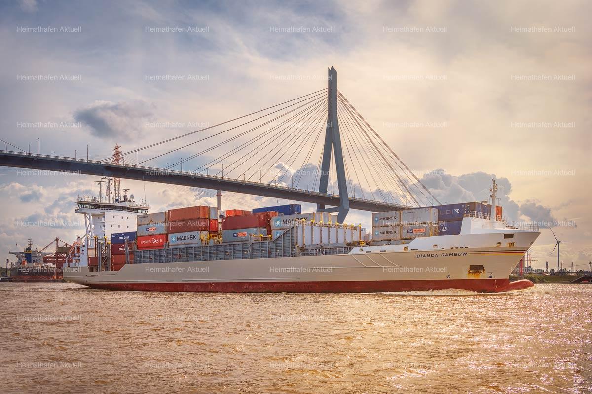 Hamburg-Hafen-Fotos-HAF-00236---Containerschiff-BIANCA-RAMBOW-unter-Köhlbrandbrücke