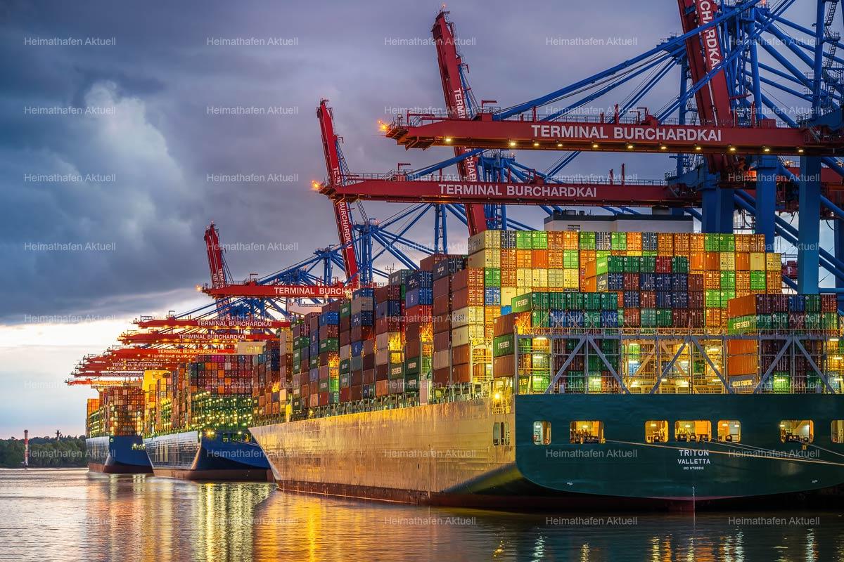 Hamburg-Hafenfotos--HAF-206-Containerterminal-Burchardkai-am-Abend